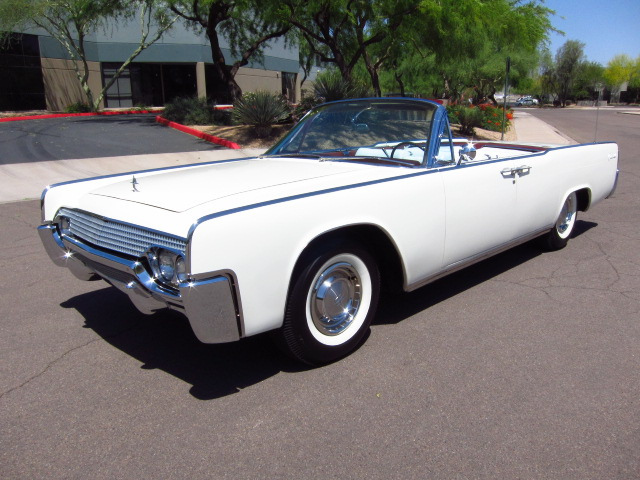 61 Lincoln Continental Convertible Top Down - Best Movie Cars