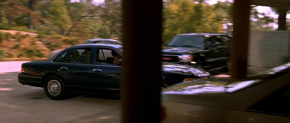 2000 Chevrolet Suburban 2
