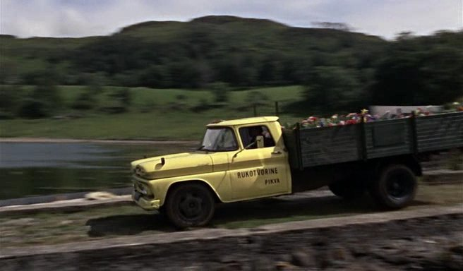 1961 Chevrolet C-30 Apache Stake, From Russia with Love 1963