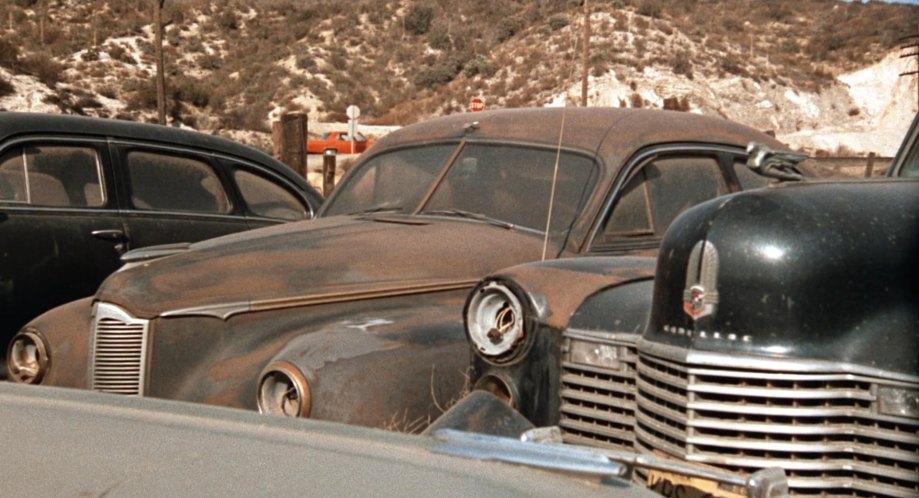 1942 Packard Clipper Club Sedan 2000