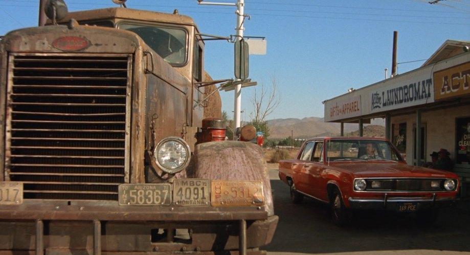 1955 Peterbilt 281, Duel