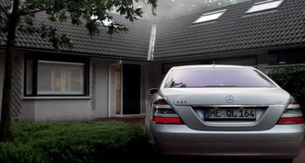 2006 Mercedes-Benz S 320 CDI W221, The Human Centipede First Sequence 2009