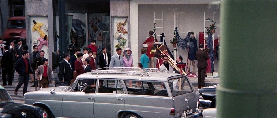 1966 Mercedes-Benz 200 Universal IMA W110