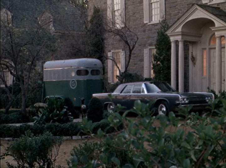 1963 lincoln continental 5 best movie cars. Black Bedroom Furniture Sets. Home Design Ideas