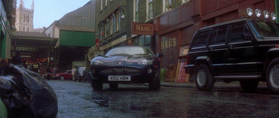 1998 Jaguar XKR X100, Entrapment