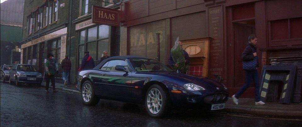 1998 Jaguar XKR X100, Entrapment 1999