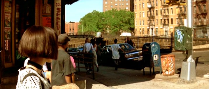 1988 Ford LTD Crown Victoria, Leon + The Professional